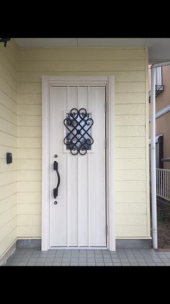 おしゃれな玄関ドアになりました!