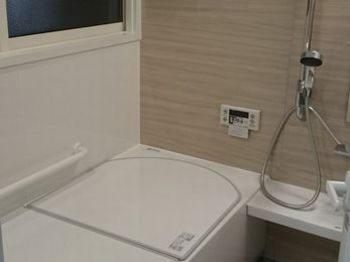 断熱浴槽になり、追い炊き回数が減り、掃除もラクラクでお風呂にゆったり入れる様になりました。